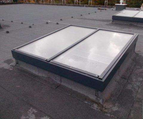 świetliki dachowe szklane