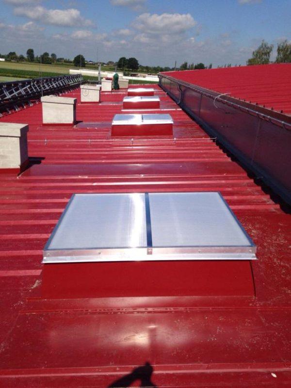 świetlik dachowy przemysłowy