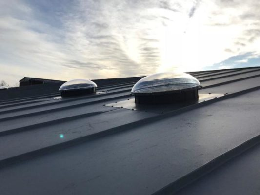 świetliki dachowe płaskie