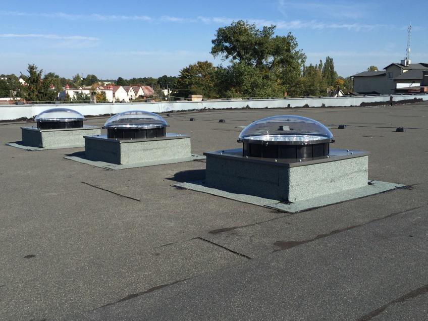 świetliki dachowe tunelowe